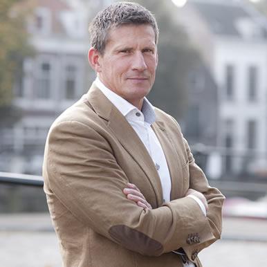 Mr. Tjark de Lange